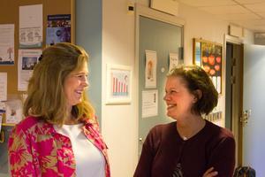 Ewa Andersson och Ulrika Lundström Persson träffar fler föräldrar än de flesta. Råby öppna förskola har 9000 besök om året.