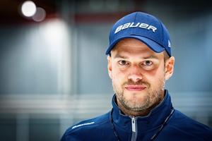Patrik Fagerlund, tränare Köping Hockey. (Foto: Lennye Osbeck)