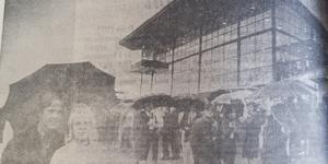 Bergsåker den 23 augusti 1969, folket strömmade varje gång det var trav.
