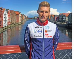 Oscar Andrén  är uppväxt i Hallsberg, tävlar för OK Tisaren , bor i Trondheim och tränar med norska klubben Leik - och i helgens Euromeeting springer han för svenska landslaget. Så kan en satsande orienterares liv se ut. Foto: Torbjörn Andrén.