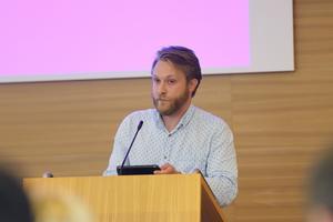 """""""Byggnaderna behöver moderniseras"""" säger Lars Greger (MP) som är ordförande i Telge fastigheter."""