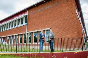 Fröviskolans nya ledarduo på högstadiet består av rektor Jimmy Nordengren och biträdande rektor Pontus Hansén. Dessutom är Greta Åström biträdande rektor på låg- och mellanstadiet.