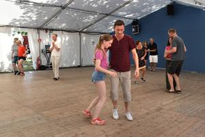 På Herräng Dance Camp erbjuds barn och ungdomar klasser inom programmen Swing teen och Swing Kids, och många dansarföräldrar tar med sina barn hit.
