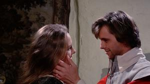 Sara Lowes (Hilary Dwyer) och Richard Marshall (Ian Ogilvy) i