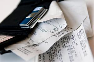 Var tredje svensk vill slippa papperskvitton och hellre ha dem digitalt.Foto: Christine Olsson / SCANPIX