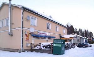 I källaren i det här huset i Stensätra i Sandviken sköts gruppmedlemmen i benet den 7 februari 2011. Foto: Lasse Halvarsson
