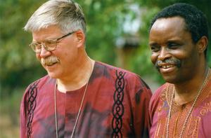 Lebombostiftet i Moçambique blev Västerås första vänstift. En nära vänrelation växte mellan Claes-Bertil Ytterberg och Lebombobiskopen Dinis Sengulane. Foto: Pelle Söderbäck