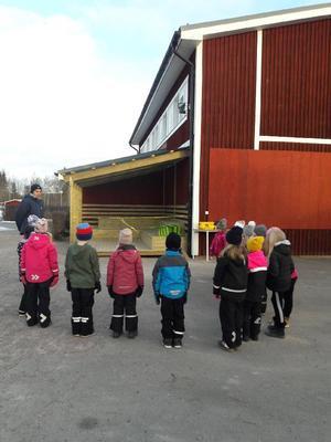 Uteklassrummet är bland annat bra för att samla eleverna vid idrottslektioner utomhus.