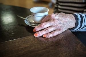 Det är inte vettigt att placera äldre i lokaler som inte följer Socialstyrelsens krav säger Lennart Skoog (S).
