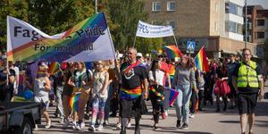 Prideparaden gick genom Fagersta på lördagen.