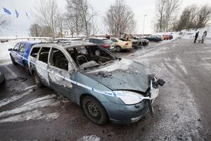 Sammanlagt 13 bilar förstördes i bränderna.