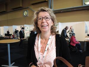 Centerpartiet och Lena Reyier lyckades få stöd för nya regler som gör det möjligt för vårdcentralerna i länet att öppna egna vårdcentralfilialer var som helst i Dalarna.