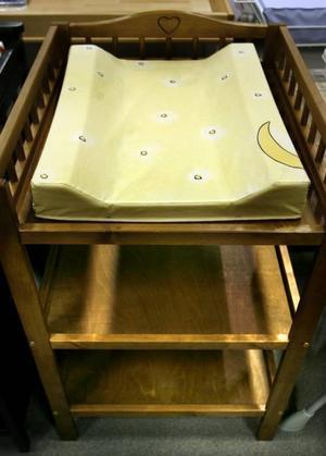Skötbordet från Segr kostar 1495. Från Barnens Hus.