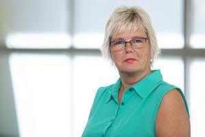 Birgitta Karstensson (MP) är värmländsk lokalpolitiker.  Hon vill att polisen skaffar husbil.