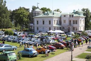 Uppskattningsvis 150 Saab-bilar samlades på Engeltofta under dagen.