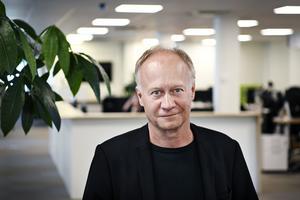 Johan Hedberg tar över SmT-titlarna.