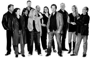 Radiokörens sångare i gruppen Vokal Harmoni gästar den 25 juli.