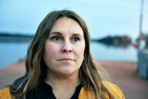 Annelie Linhein berättar om sorgen efter att familjen förlorade Kalle Knuters. Hon bor i Stockholm men tillbringar också tid i Ovansiljan.