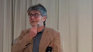 Vladislav Savic på Senioruniversitetet. Läsarbild.