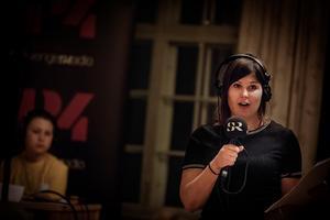 Hanna Embretsen, till vardags programledare på Sveriges Radio Dalarna, ledde även i år den lokala Vi i Femman-tävlingen.