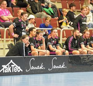 Thomas Brottman och Emil Ruud bredvid varandra på IBF Faluns bänk.