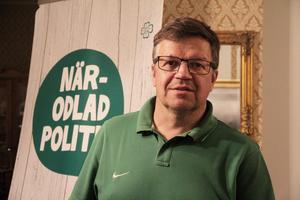 Vi ville ha en ordförande som kunde styra arbetet i kommunfullmäktige, när så få ärenden väntades komma från kommunstyrelsen efter valet 2014, säger Hans Jonsson om varför man slöt avtal med Vänsterpartiet.