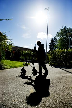 En granskning av Sveriges hantering av coronaviruset är nödvändig och en bred debatt om äldreomsorgens utveckling är välkommen, men låt dessa utgå ifrån fakta. Foto: TT
