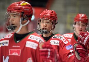 William Strömgren är bara 16 år men har redan fått chansen i Modos J20-lag. I helgen stod han för fyra poäng i en och samma match, när Modo slog Växjö på lördagen.