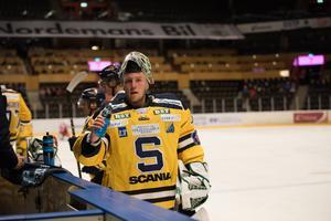 Emil Kruse var minst sagt strålande i Södertäljes mål under fredagskvällen.