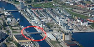 En extra bro för biltrafik mellan Brynäs och Gävle Strand kan behövas för att avlasta Fältskärsleden i framtiden. OBS, bilden är ett montage. Flygfoto: Lasse Halvarsson.