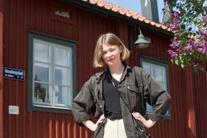 Saga Wallander har skrivit den fina klass- och kvinnoskildringen