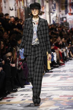 Christian Dior är klassiskt rutig i svart och vitt.Foto: TT