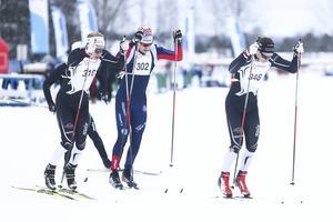 Junioren Max Novak, Offerdal, gjorde ett nytt starkt lopp och stakade hem segern i Krokomsturen över 25 kilometer. Här i täten av Jämtkraft Ski Marathon där han vann den korta banan över 19 kilometer.