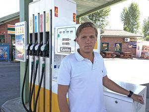 Linus Fransson (mp) anser att Avesta kommun måste ligga i framkant när det gäller klimatsmarta bränslealternativ.