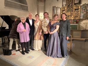 Från vänster: Prinsessan Christina Magnuson, Anders Wall, Cornelia Beskow, Magnus Vigilius, Ingeborg Børch och Charlotte Wall. Foto: Cari Hildebrand