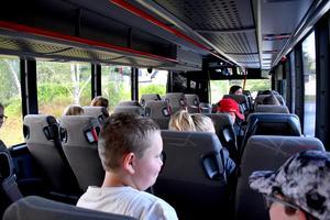 Mer tid i skolbussen, kan det bli för barn i BLT-området om kommunen möblerar om bland skolorna.