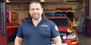 Räddningschef Patrik Fredriksson blev tvungen att prioritera en befarad soteld framför att dra igång Hesa Fredrik på måndagen.