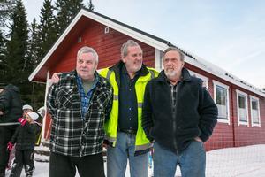 Nog är de nöjda med sitt bygge, från vänster 75-åringarna Bengt Bjurström och Kent Thorén, och 73-årige Lennart Hagström.