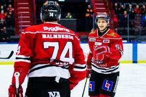 Kristian Näkyvä fullföljer sitt tvåårskontrakt med Örebro. Finländaren har uppgetts vara på gång till NHL men kommer att stanna i SHL. Bild: Johan Bernström/Bildbyrån