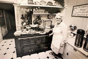 Sigrid Thun lagade julbord på Pensionat Granparken 1990. Foto: NT