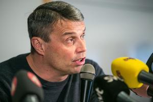 Daniel Kindberg hyllar polisen, personalen på häktet och åklagaren Niklas Jeppsson.