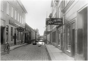 Holmgatan från Stora torget söder ut.