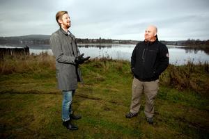 Emil Westerlund och Joakim Dahlin hos WH försäljning är lyriska över läget. Det enda som kan stoppa projektet är om det påträffas miljöfarligt avfall från gamla Bryggeriet.