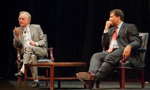De berömda vetenskapsmännen Richard Dawkins och Neil deGrasse Tyson möttes 2010 för att bland annat diskutera hur liv på andra planeter kan se ut. Foto: Wiki Commons