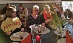 Ann-Charlott, Anna-Lena, Maggan och Helena är klara med det kalla och ska börja med det varma. Foto: Nils-Olov Olsson