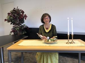 Elsie Bäcklund Sandberg läser Sagostund för vuxna