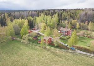 Drömmer du om en gård på landet? Foto: Länsförsäkringar Fastighetsförmedling Ludvika