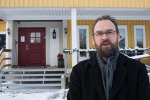 Miljöchef på olika jobb i sammanlagt 14 år. Men nu byter Patrik Svensson fokus och blir vandrarhemsägare i Svedjeholmen.