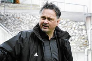 Urban Hagblom är mitt inne i sin mest intensiva tid som sportchef i GIF Sundsvall. Silly season som det är.