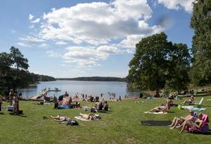 Nej, det blir ingen beachvolleyplan på stora badplatsen vid Simsjön och ingen förlängning av Billingeleden runt sjön heller. Det har kommunstyrelsens arbetsutskott beslutat efter att ha tagit ställning till två medborgarförslag.